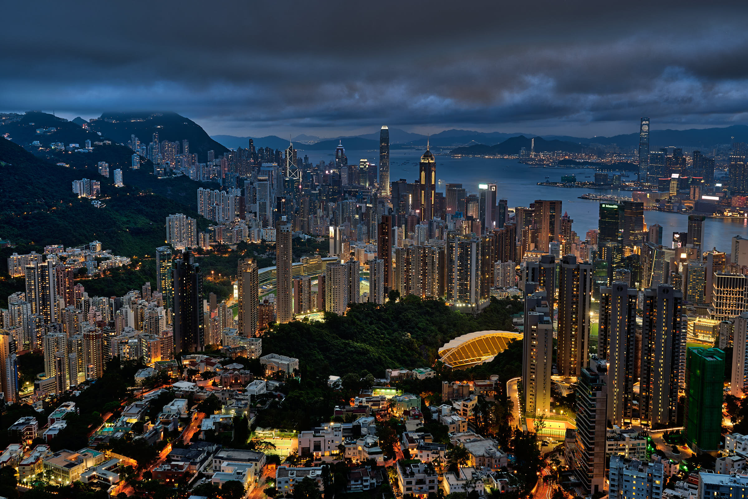 End of blue hour over Hong Kong from Jardine Lookout