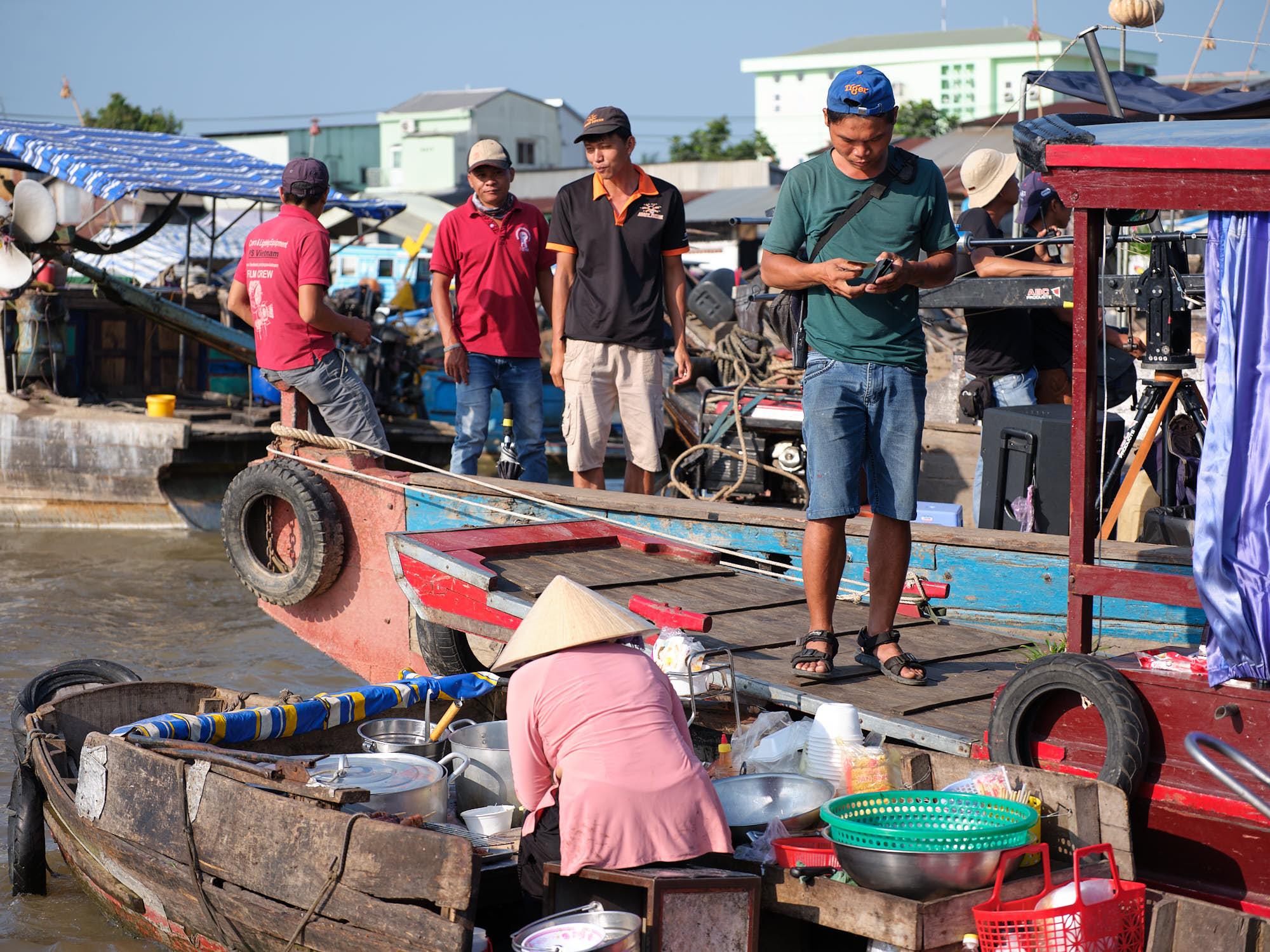 Sales transactions at Cai Rang Floating Market