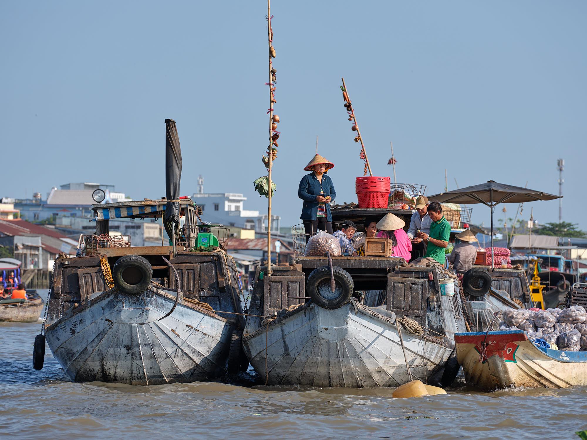 Sales at Cai Rang Floating Market