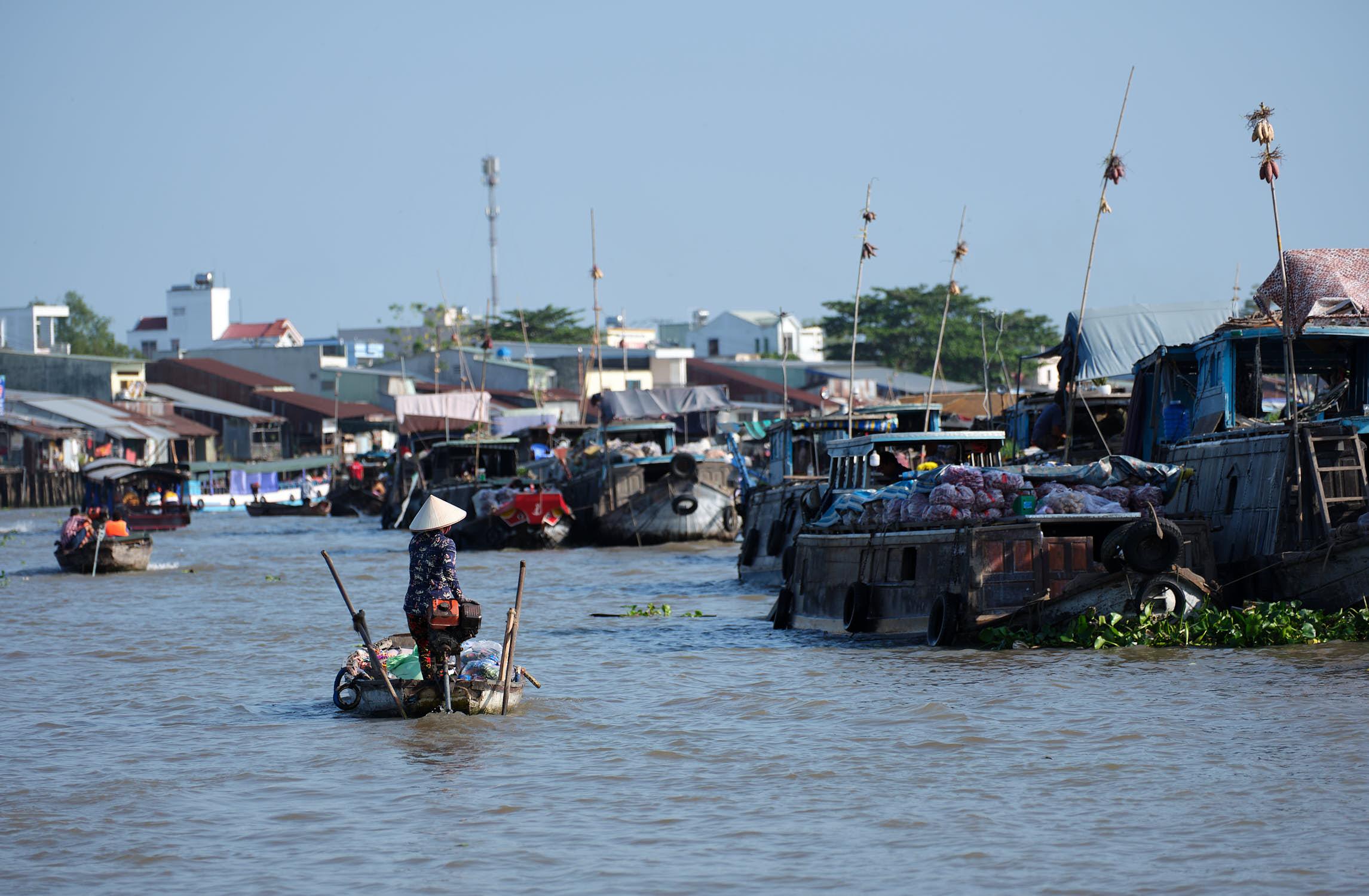 Buyer at Cai Rang Floating Market