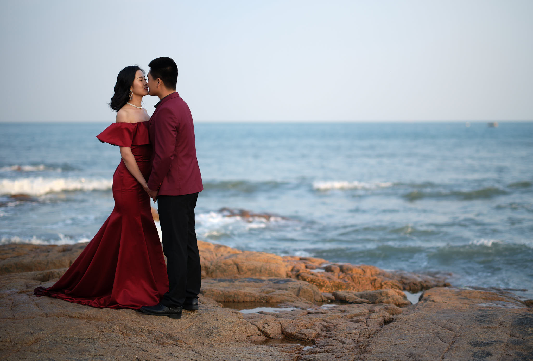 Caught a couple kissing at the beach in Qingdao