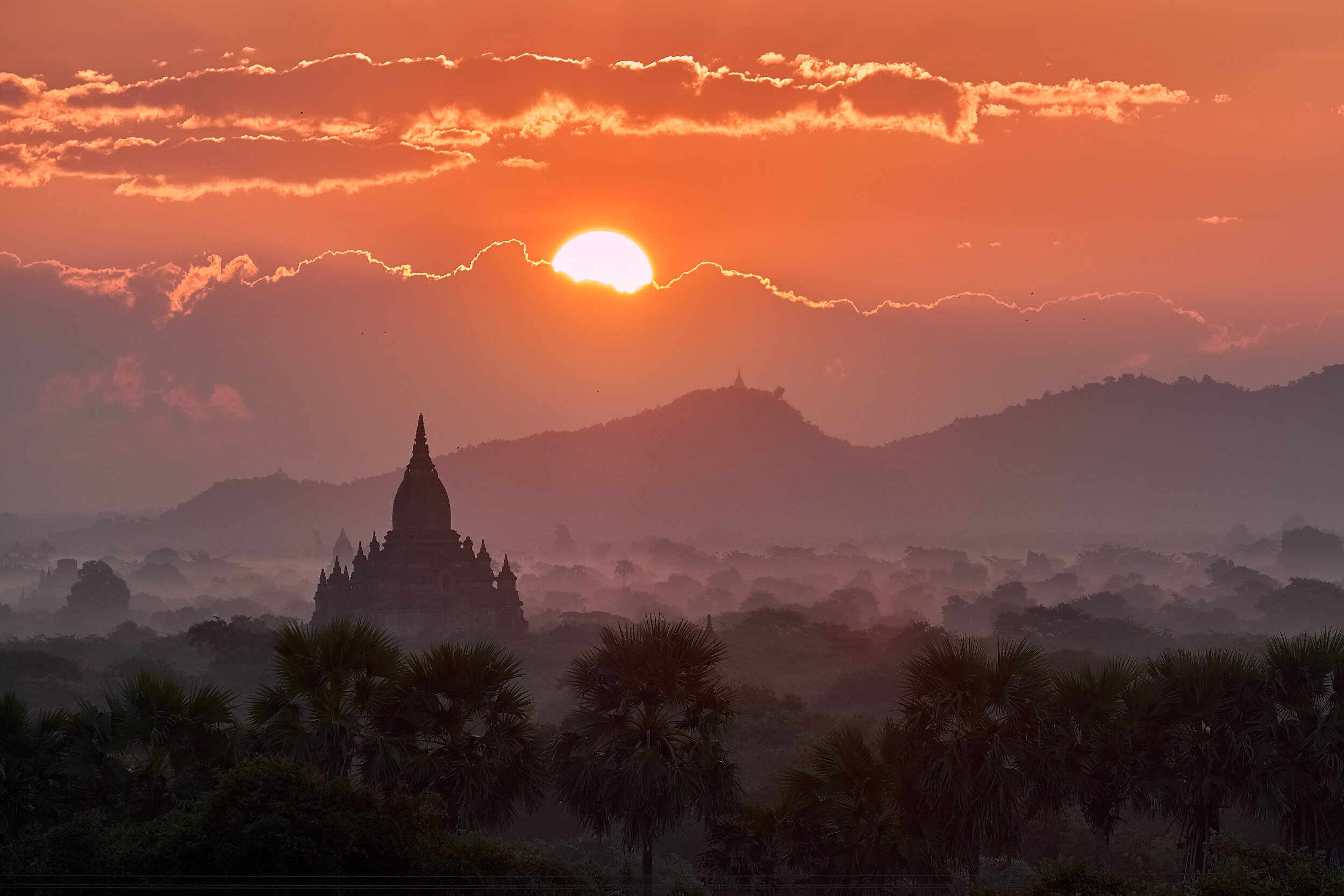 wanderinglass.com Bagan Sunset